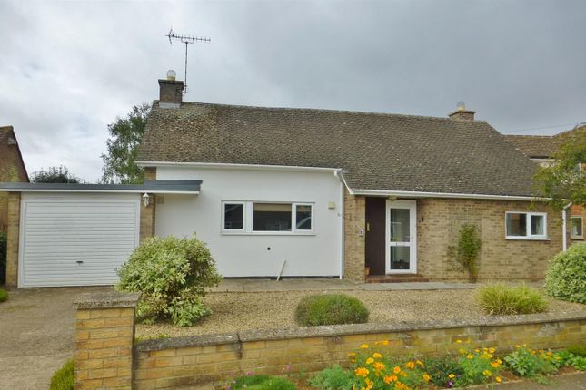 Thumbnail Detached bungalow to rent in Cedar Close, Uppingham, Oakham