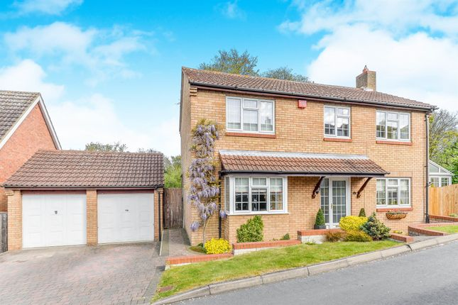 Thumbnail Detached house for sale in Echo Hill, Royston