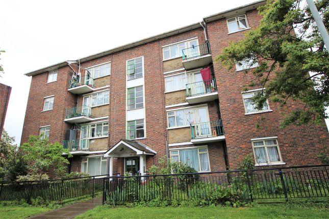 Thumbnail Flat to rent in Stamford Close, London