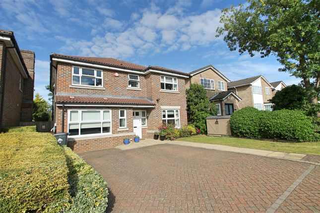 Thumbnail Detached house for sale in Wendover Way, Bushey