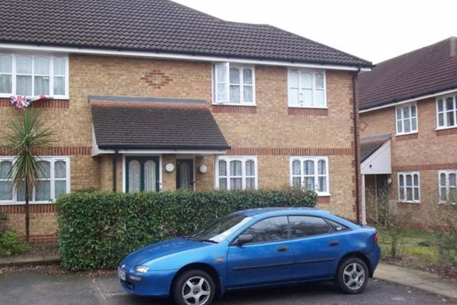 Thumbnail Maisonette to rent in Worcester Gardens, Slough