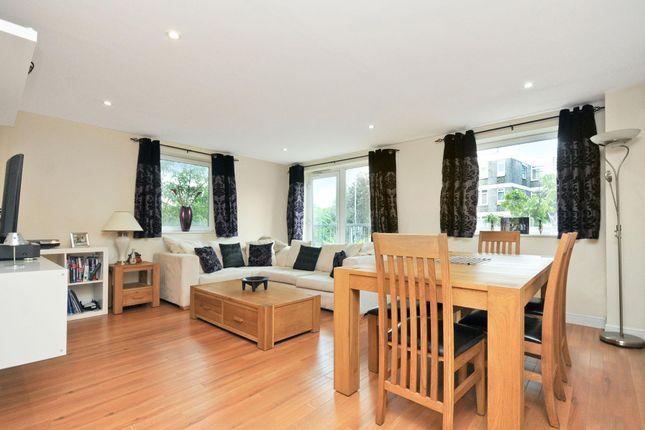 Thumbnail Flat to rent in Lamberts Road, Surbiton