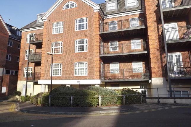 Thumbnail Flat to rent in Dorchester Court, Camberley