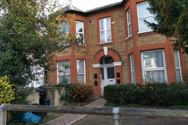 Thumbnail Flat to rent in Aldborough Road South, Seven Kings, Ilford