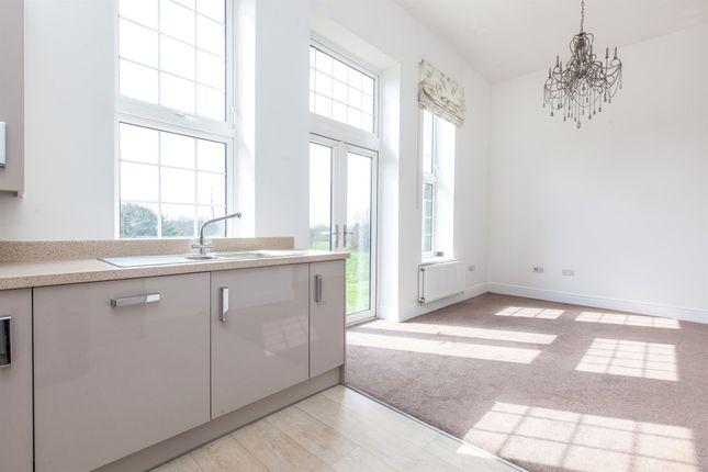 2 bedroom flat for sale in Bradley Drive, Hellingly, Hailsham