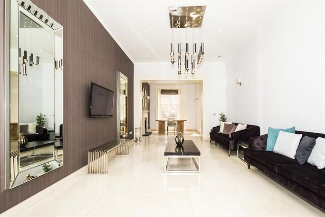 Thumbnail Property to rent in Queensberry Place, London