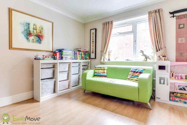 Family Room of Marston Gardens, Luton LU2
