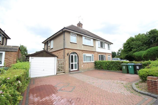 Thumbnail Property to rent in Poundfield, Watford