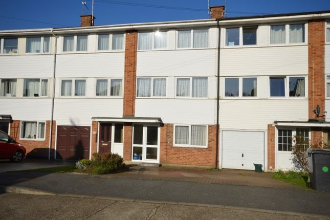 Thumbnail Town house to rent in Mews Court, Chelmsford
