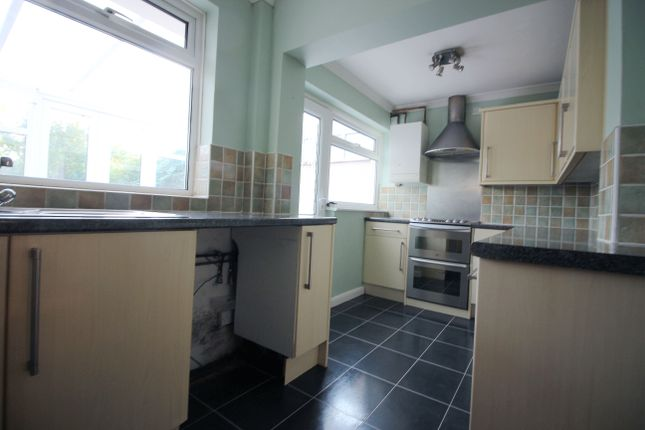 3 bed semi-detached house to rent in Langdale Cresent, Bexleyheath