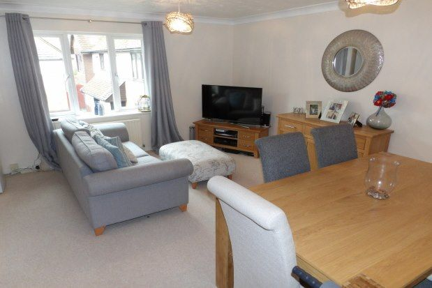 Thumbnail Flat to rent in Hartley Wintney, Hook