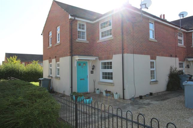 Thumbnail Town house to rent in Badger Lane, Bourne