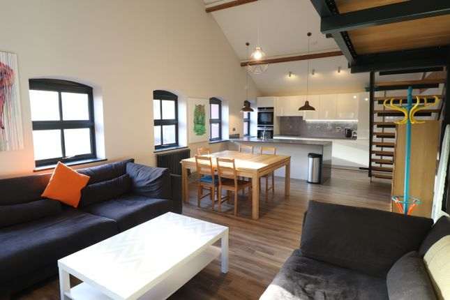 Thumbnail Flat to rent in Clement Street, Birmingham