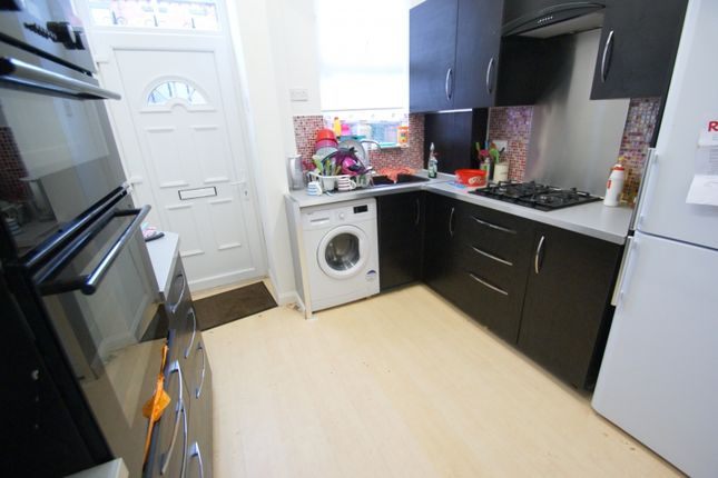 Thumbnail Terraced house to rent in Ebor Mount, Hyde Park, Leeds