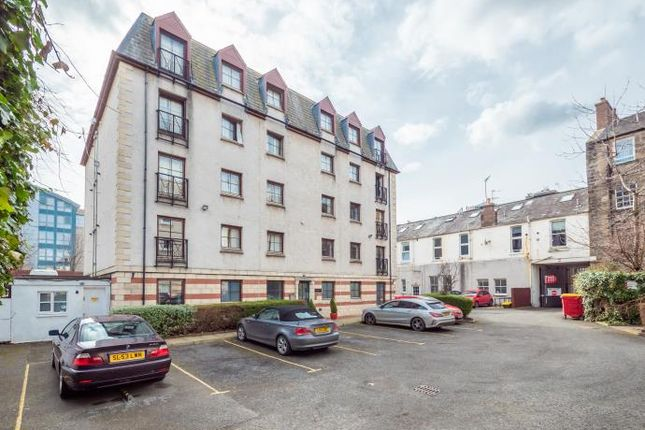 2 bed flat to rent in Grove Street, Edinburgh EH3