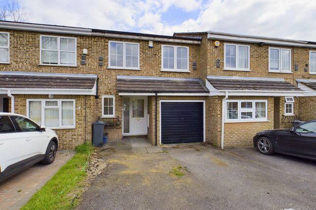 Thumbnail Semi-detached house for sale in Ruscombe Way, Feltham, Greater London