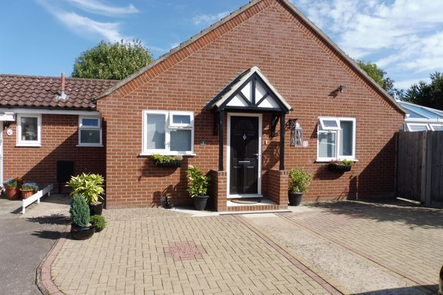 Thumbnail Bungalow for sale in Farthing Close, Diss