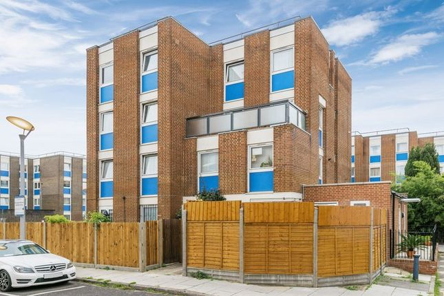 Thumbnail Maisonette for sale in Gernon Road, Mile End, London