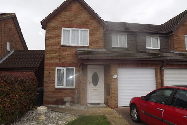 Thumbnail Property to rent in Wedgewood Drive, Harlow, Essex