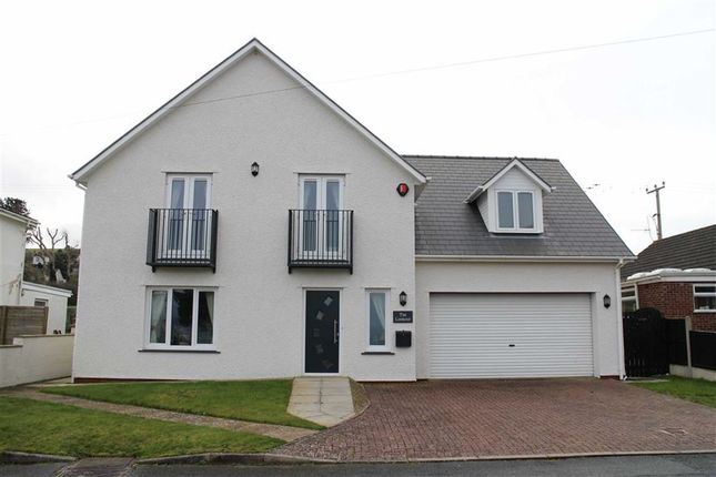 Thumbnail Detached house for sale in Ffordd Y Fulfran, Borth