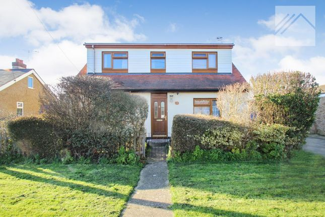 Thumbnail Bungalow for sale in Griffin Avenue, Canvey Island