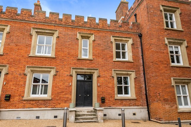 Thumbnail Terraced house to rent in Wellesley Road, London