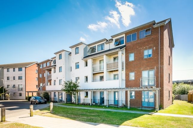 Thumbnail Flat for sale in Billington Grove, Willesborough, Ashford