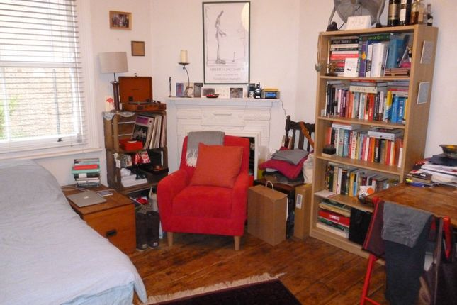 Studio to rent in Southwood Avenue, Highgate