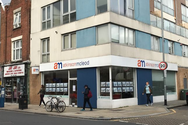 Thumbnail Retail premises to let in Bedford Hill, London