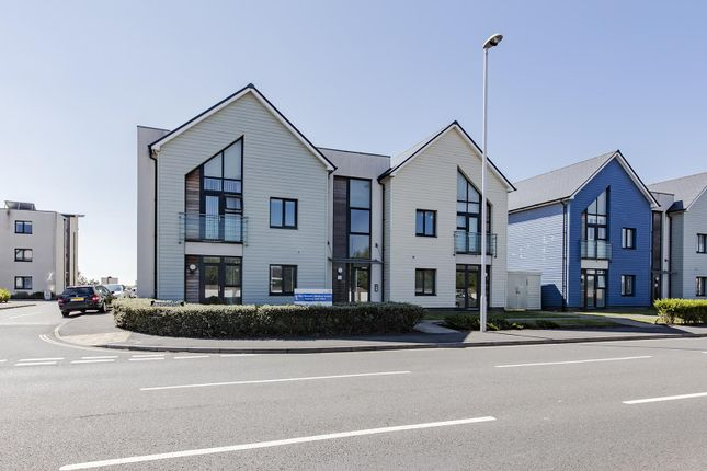 Thumbnail Flat for sale in Eirene Road, Goring-By-Sea, Worthing