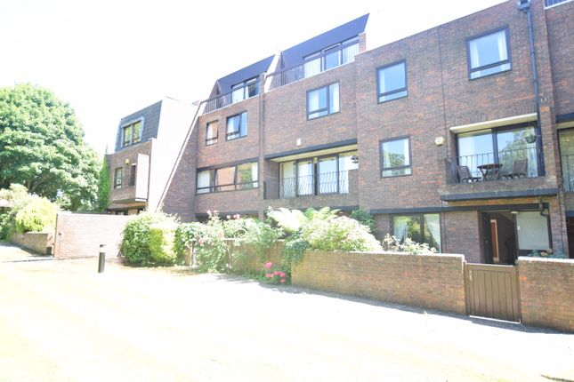 Thumbnail Town house to rent in Kreisel Walk, Kew, Richmond