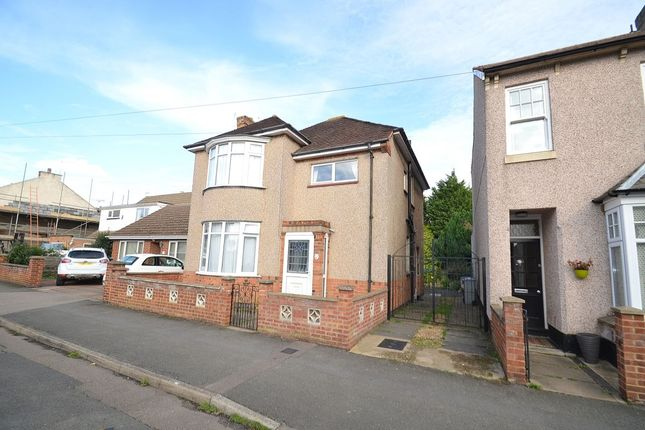 Thumbnail Detached house to rent in Shakespeare Road, Kettering