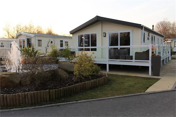Thumbnail Mobile/park home for sale in Harmby Road, Leyburn
