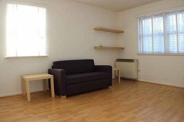 Thumbnail Flat to rent in Burnt Ash Road, London