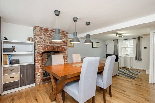 2 bed end terrace house for sale in Lintons Lane, Epsom, Surrey