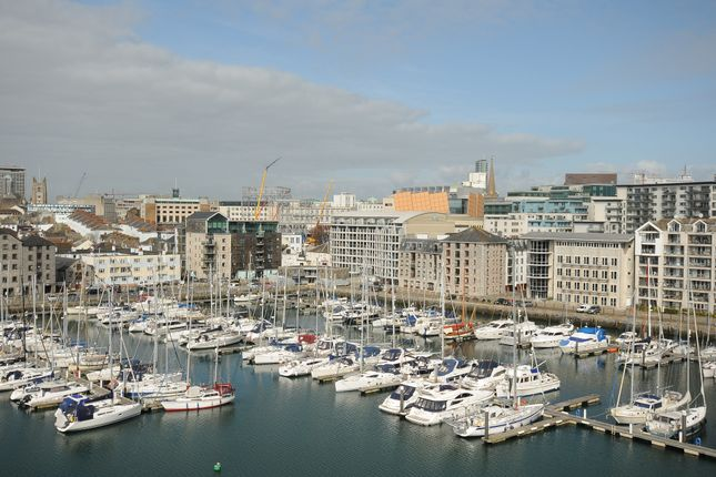 Thumbnail Flat for sale in North Quay, Plymouth