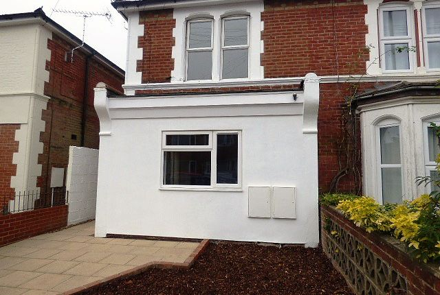 Thumbnail Flat to rent in Twyford Road, Eastleigh