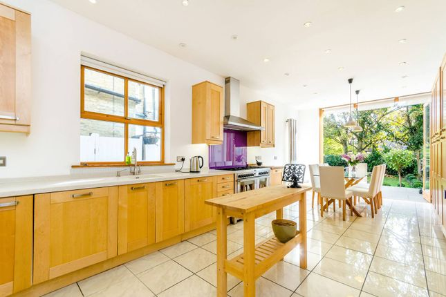 Thumbnail Semi-detached house to rent in Glenluce Road, Blackheath