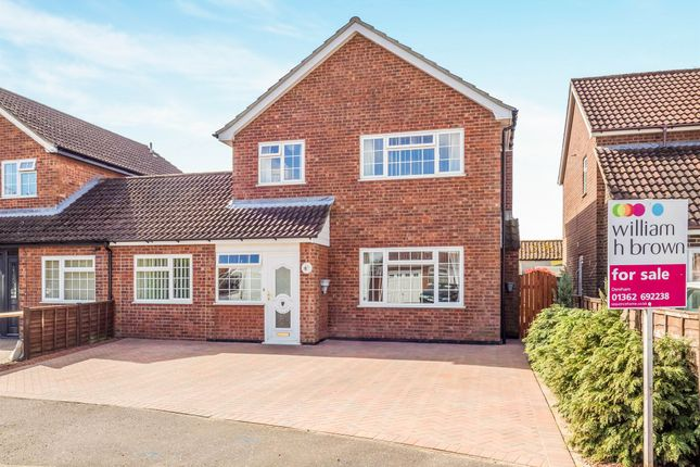 Thumbnail Link-detached house for sale in Breton Close, Toftwood, Dereham