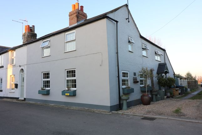 4 bed cottage to rent in The Street, Finglesham, Deal CT14