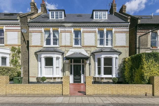 Thumbnail Flat for sale in Balham Park Road, London
