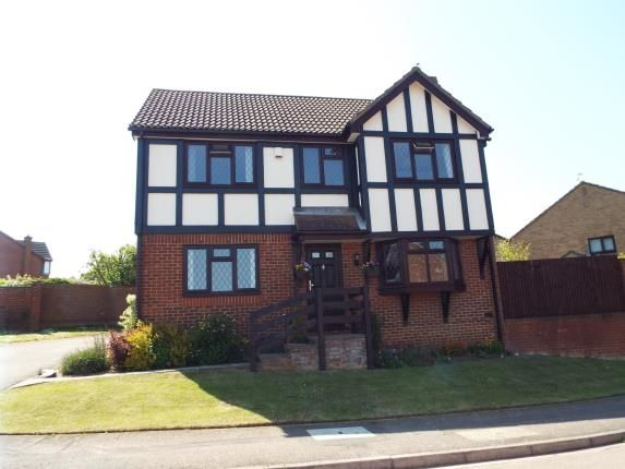 Thumbnail Detached house for sale in Reeds Dale, Luton, Bedfordshire