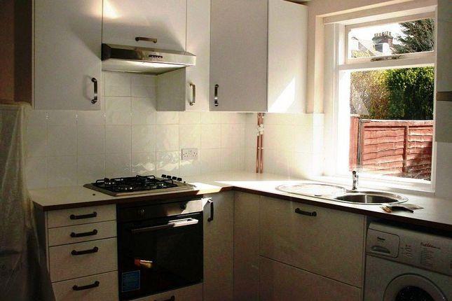 22 Thornhill - Kitchen1
