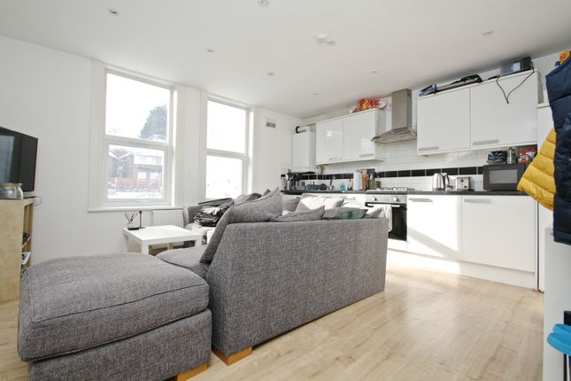 Thumbnail Flat to rent in Maberley Road, London