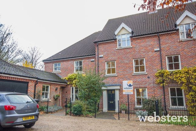 Thumbnail Town house for sale in The Willows, Norwich