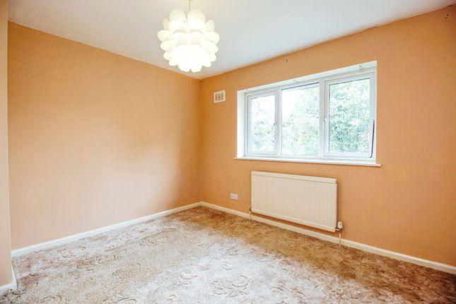 Bedroom of Ash Tree Walk, Basildon SS14