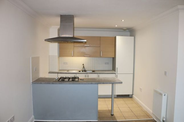 1 bed flat to rent in St. Mark's Place, Dagenham