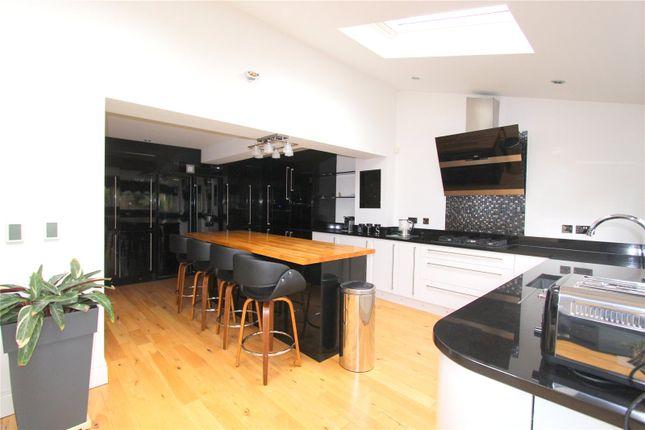 Thumbnail Detached house to rent in Wallis Drive, St Andrews Ridge, Swindon