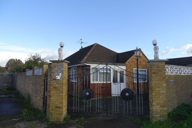4 bed bungalow for sale in Bankside, Southall UB1