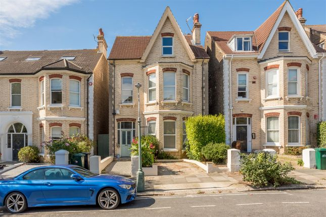 Thumbnail Flat for sale in Wilbury Gardens, Hove